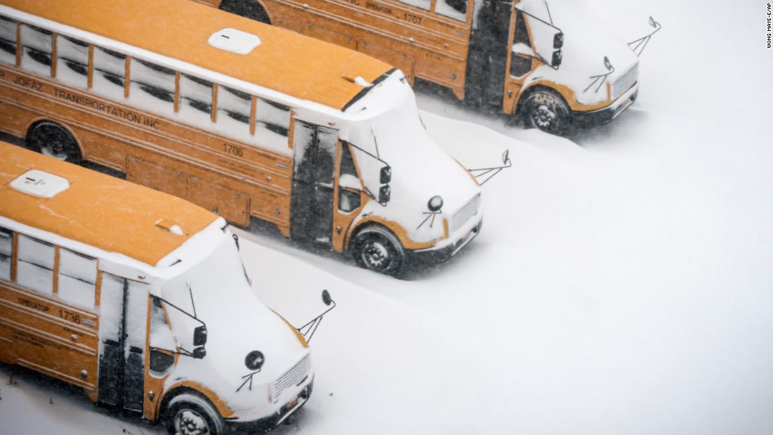 210504123828 ny school bus snow 0201 super 169 kk59De